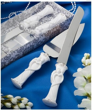 Buy Hot Sale Marriage western-style Heart shape Cake Knife + shovel + gift box Serving Set Wedding birthday Cake cutting Supplies cheap