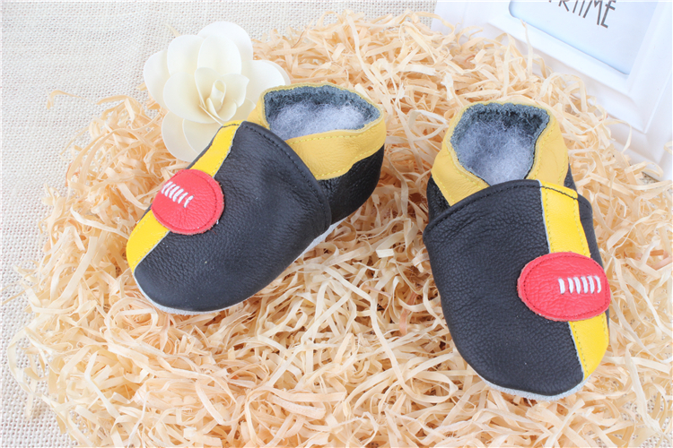 1 Pair Send 4 Sizes Christmas Leather Baby Moccasins Shoe Girls Boys Chaussure First Walker Toddler Moccs 0-24M Dropship ROC1054(China (Mainland))