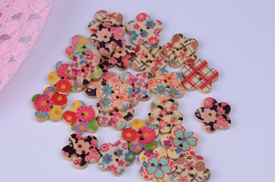 Special 100PCS Mixed styles Wood Sewing button 2 Holes 20mm Flower Pattern Shape wooden buttons For DIY sewing supplies(China (Mainland))