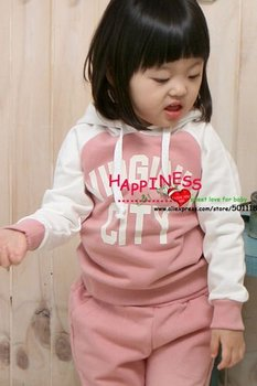 Hot seller Baby Clothing Set  2pcs sport clothing set baby wear 5 sizes 20 sets in 1 lot  2 colors : pink and grey