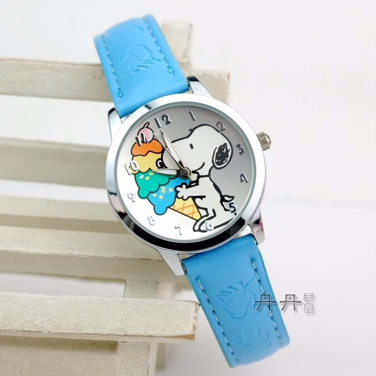 Гаджет  2015 Hot Children watches Nostalgic Fashion watch small dog Cartoon character wristwatch Snoopie anime quartz Kids Sport watch None Часы