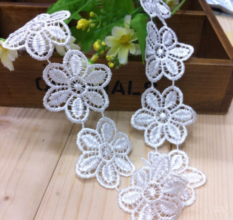 15yards/lot 2'' (50mm) White DIY Sewing Embroidered Lace Trim Flower Pattern Wedding Party Decor(China (Mainland))