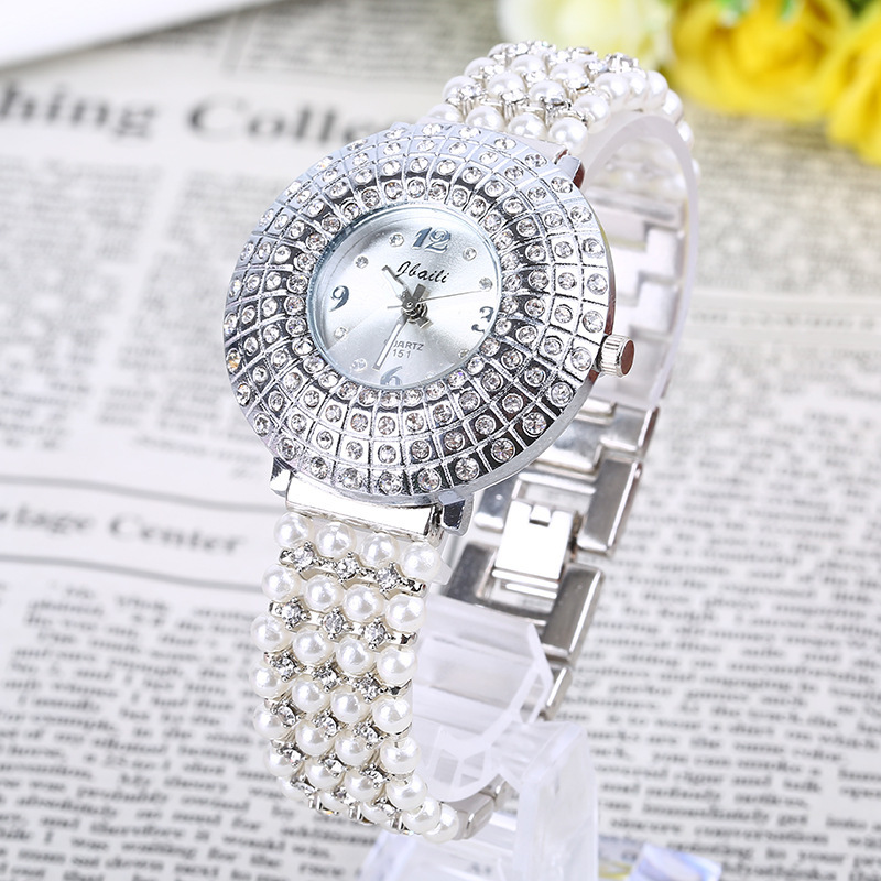 2016 Special Offer Women Alloy The Latest Hot Fashion Beautiful Woman Diamond Pearl Chain Watch Ladies Quartz Factory Wholesale(China (Mainland))