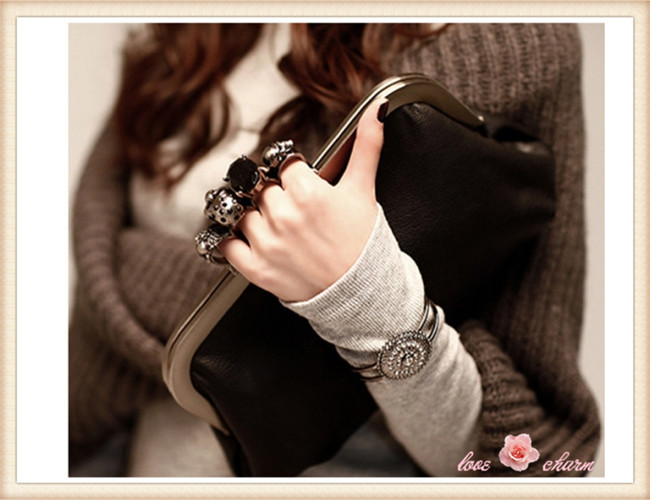 2014 New Women Ring Bag Skeleton Skull Finger Clutch Purse Evening Handbags chain bag - love&charm store