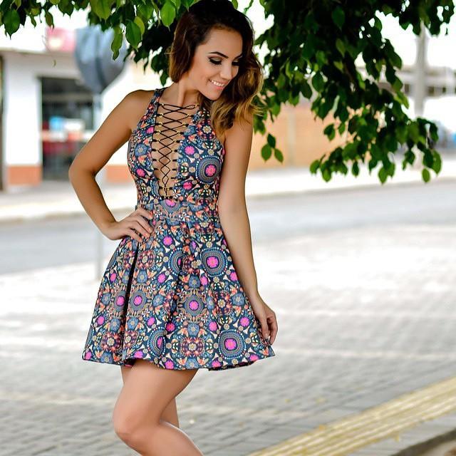 Платье летнее с декольте