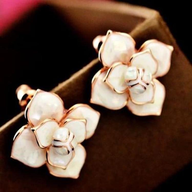 Camellia earrings earrings jewelry genuine female Bai Hanguo big new high quality elegant mother of pearl face(China (Mainland))