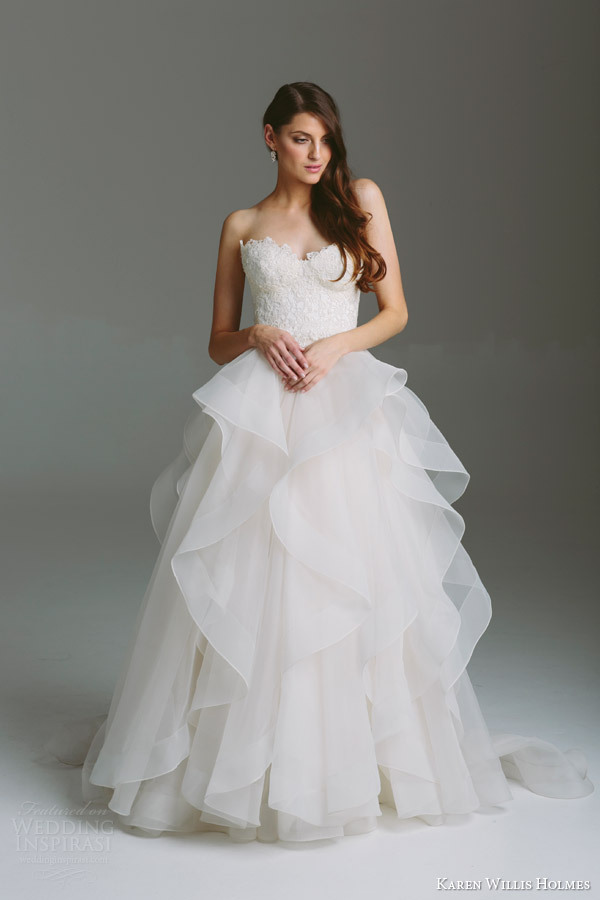Layered ruffles lace wedding dresses organza a line for Tulle layered wedding dress
