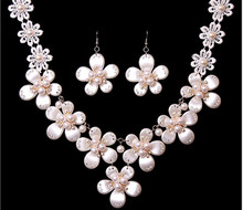Fashion charming design 1set/lot bridal wedding chunky necklace and flower earring jewlery accessory fit wedding dress!!!(China (Mainland))