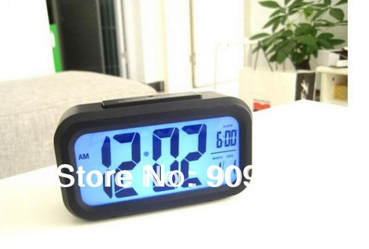 Brand New Snooze/Light Large LCD Digital Blue Backlight Alarm Clock Black and Silver Freeshipping(China (Mainland))