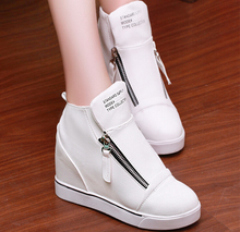 New winter fashion within the higher female high shoes with zipper round flat shoes women shoes Korean female students
