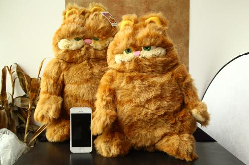 Lie prone to lie prone cartoon cat Garfield plush toy doll Children's birthday present(China (Mainland))