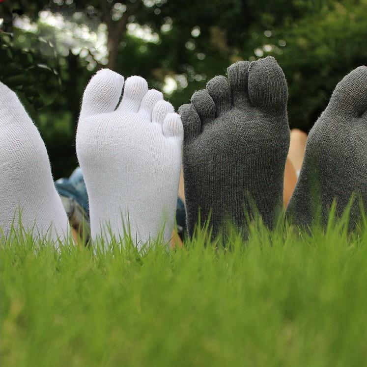 Носки с пальцами спроектированы так , чтобы отделить ваши пальцы друг от друга и остановить трение между ними. Купить мужские носки с пальцами. Цена 190 рублей. Доставка бесплатная!
