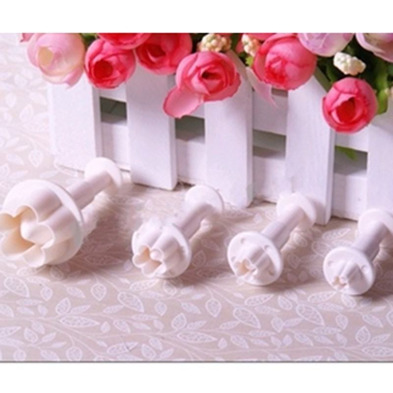 4pcs Plum Blossom Flowers Sugar Chocolate Mold Cake Bakeware Pastry Moulds Cookie Cutters Baking Tools Plastic Shapes Mold(China (Mainland))
