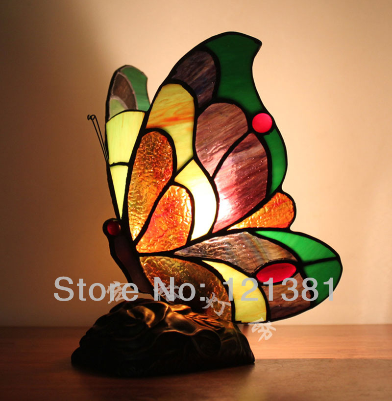 antique tiffany style accent lamp butterfly lamp small table lamps. Black Bedroom Furniture Sets. Home Design Ideas