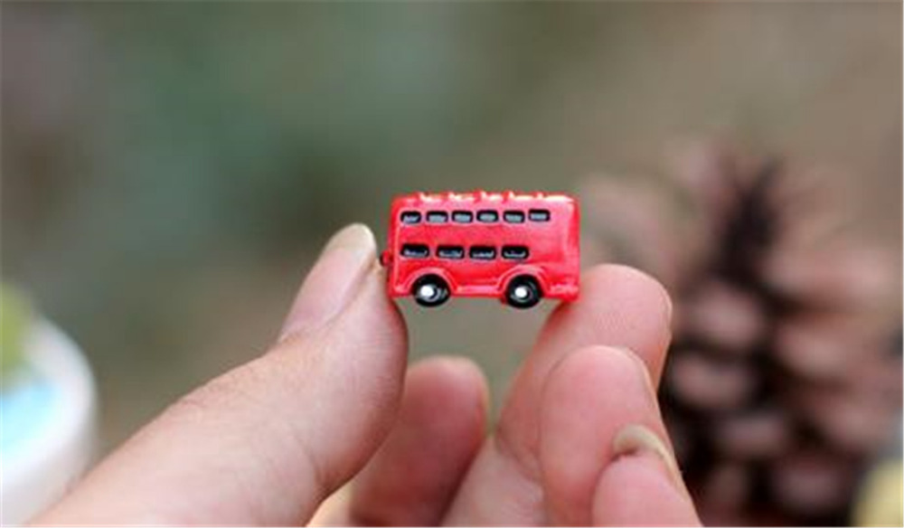 AliExpress Hot Sale Model toys for kids Mini DIY decoration red bus micro landscape free shipping R38(China (Mainland))