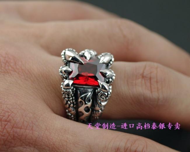 925 sterling silver sharp Alondra garnet / black zircon square drill Thai silver men's ring(China (Mainland))