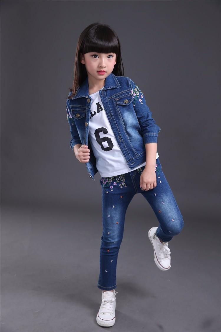 Скидки на Весна осень Стиль Девушки цветы дети комплект одежды Джинсовой куртке + жан брюки + t-shirt 3 шт. набор Для Детей Носить HB2023