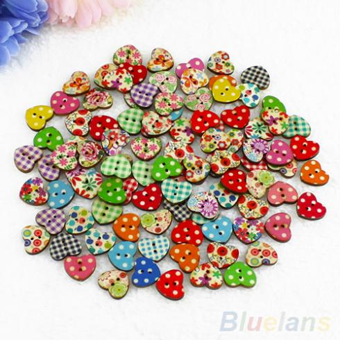 100 Multicolor Heart Shaped 2 Holes Wood Sewing Buttons Scrapbooking Knopf Bouton 1OXS(China (Mainland))