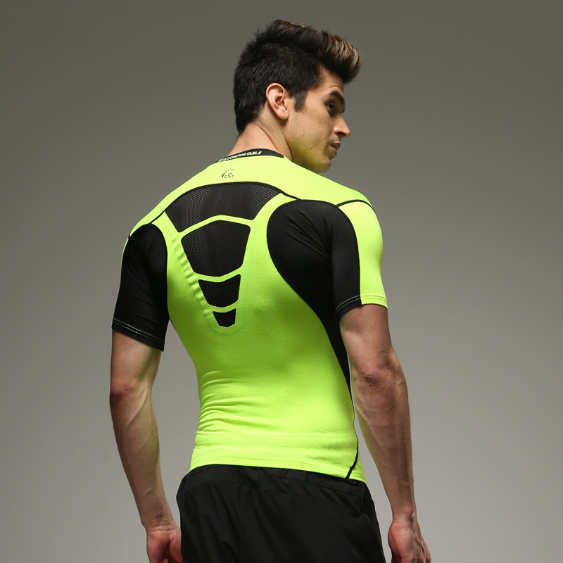 Under armour t shirts men 2015 for Cool sports t shirt designs