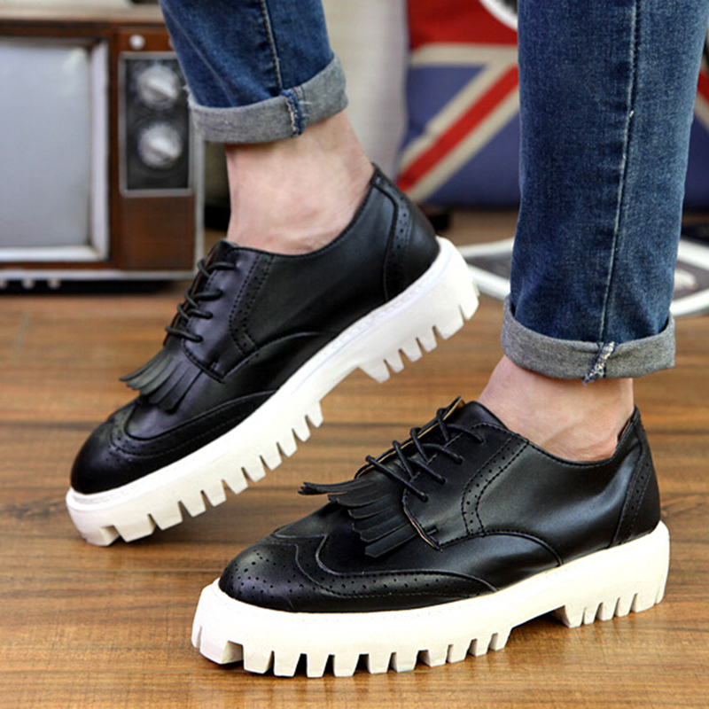 male british fashion daily platform casual oxfords young man personality carved patent leather men's oxford shoes(China (Mainland))