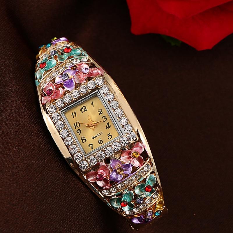 Гаджет  New Fashion Women Bracelet Watch Women Classic Alloy Wrist Watches Women Dress Watches Fashion Gift Reloj Quartz Watch 2XR1684 None Часы