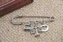 12pcs Shakespeare inspired Merchant of Venice themed charm kilt pin brooch (38mm)