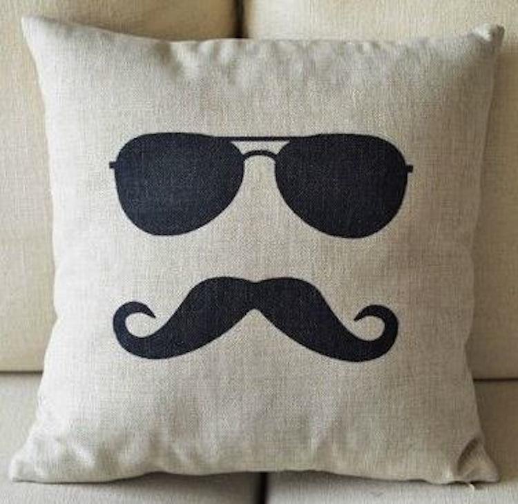 Подушки для мужчин своими руками