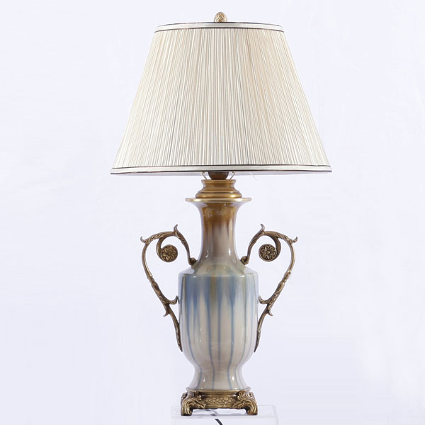 antique collection top glazed porcelain with brass slender flowers eared table lamp(China (Mainland))