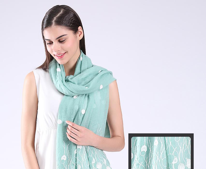 scarves_01_17