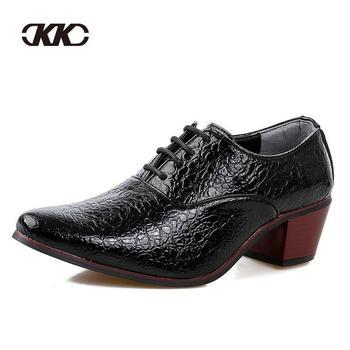 Итальянский мода кожа мужчины обувь, Точка Toe элегантные Qualit кожи мужская квартиры ...