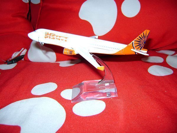 1:400 16cm Airplane Model Air India Airbus A320 Airways Aircraft Alloy Airways Plane Model Diecast Souvenir Toy Vehicle Gift(China (Mainland))