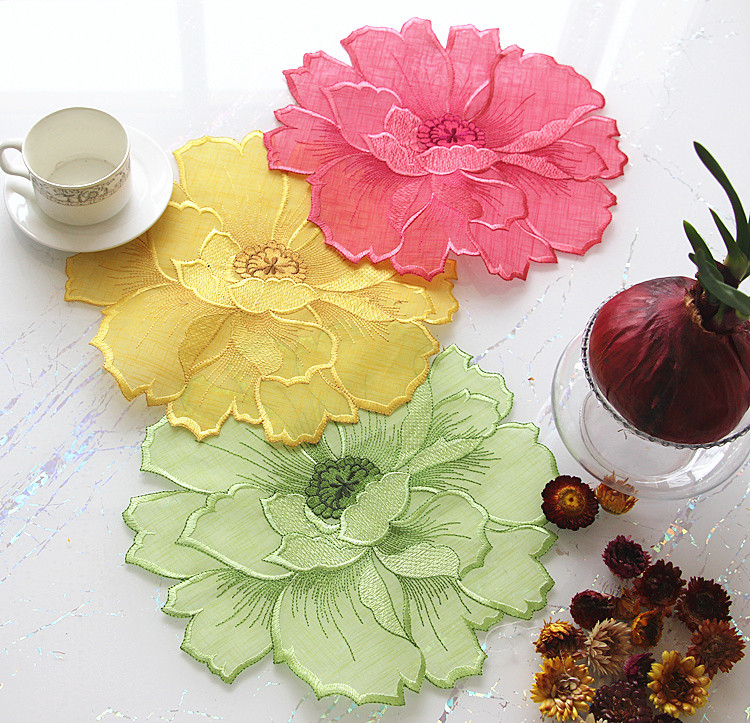 Round 30cm European style polyester table mats pads embroidered table cloth cloths for wedding Kitchen Decoration Accessories(China (Mainland))