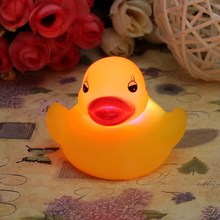 New Stylish Top Selling Novel Style 1Pc Baby Kids Bath Toy Lovely Flashing LED Changing Lamp Light Duck Yellow(China (Mainland))