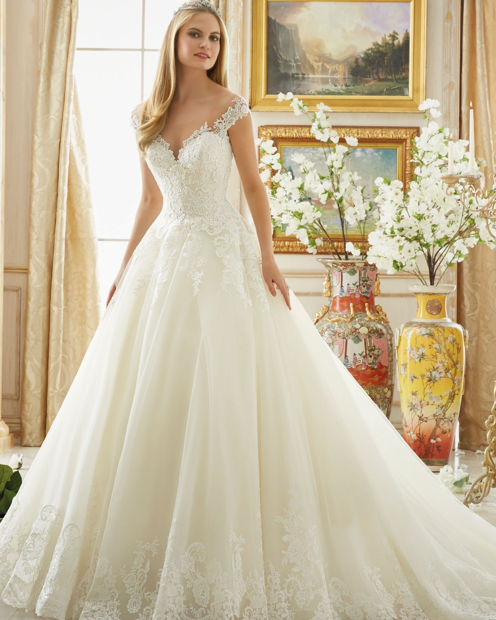 Modern country western wedding dresses western weddings for Old western wedding dresses