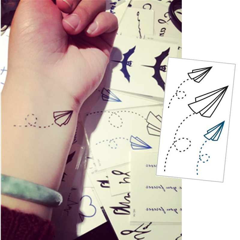 achetez en gros paper airplane tattoo stickers en ligne des grossistes paper airplane tattoo. Black Bedroom Furniture Sets. Home Design Ideas