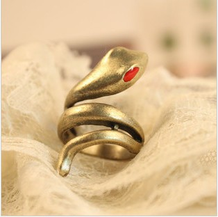 PR-093 Vintage Fashion Jewelry Women Red-eye Cobra Ring - Mamojko Store store