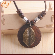 Manufacturers selling wooden necklace restoring ancient ways The fei long sweater chain wholesale(China (Mainland))