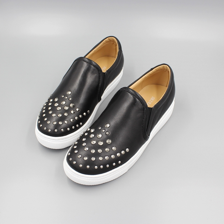 2015 High Quality Women Flats Soft Full Grain Rivets Round Toe Leather Loafers Women Casual Shoes(China (Mainland))