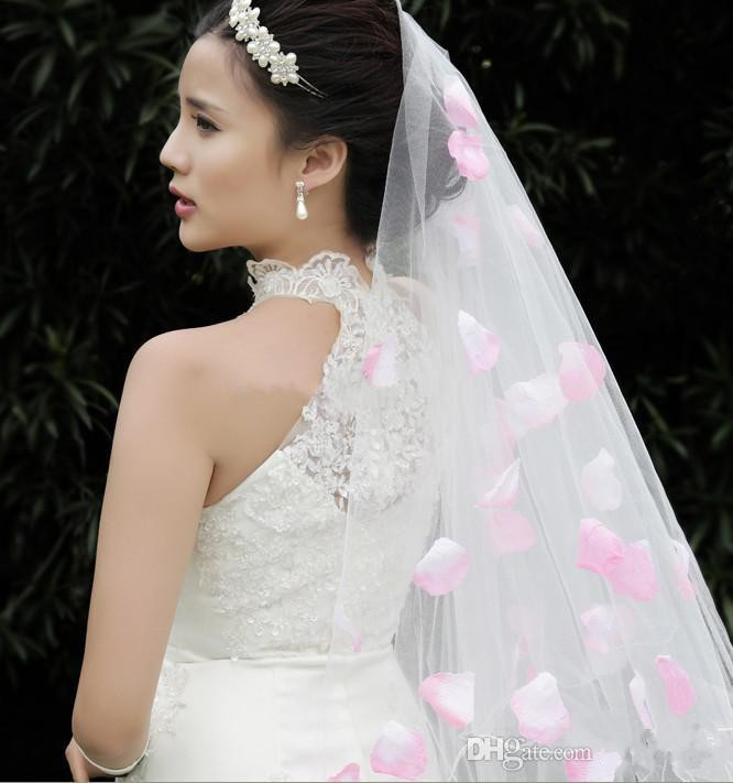 2015 is the latest version of the pink petals decorated ankle length bride veil(China (Mainland))