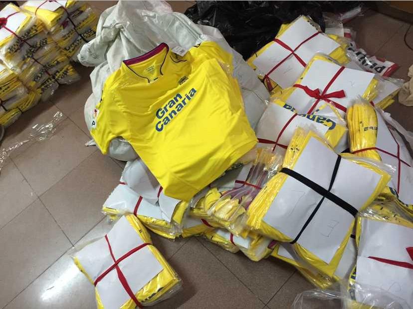15/16 Las Palmas Soccer Jerseys pink yellow home Away 3A+++ Best thai quality Las Palmas Jerseys Free Delivery(China (Mainland))