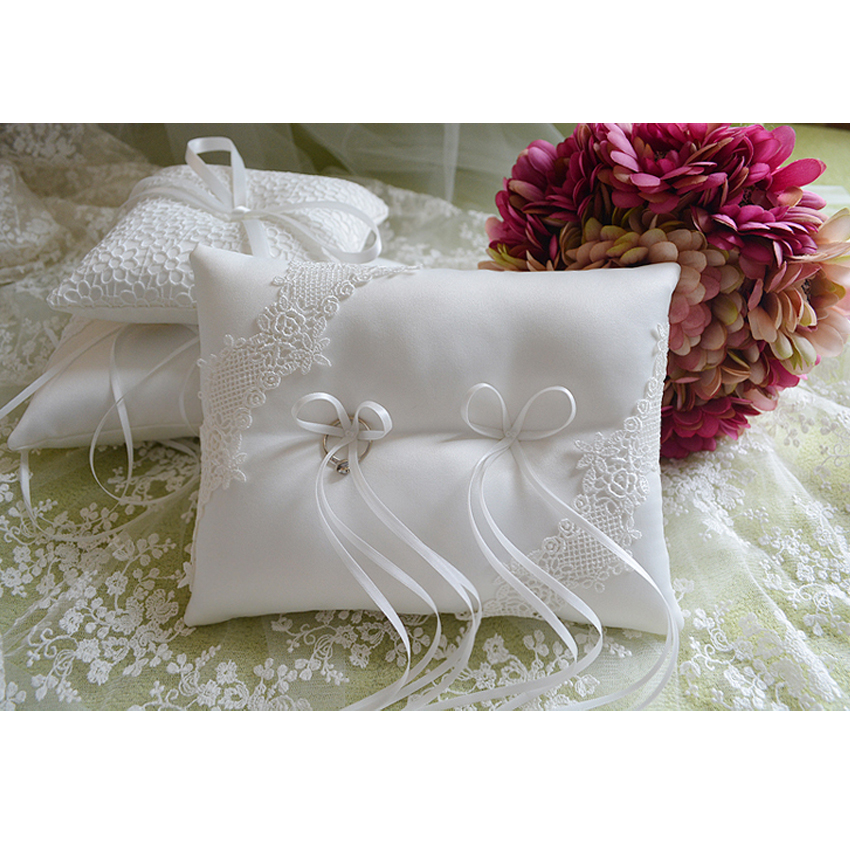 High qualityTrendy Satin Bowknot Wedding Party Decoration Ring Pillow lace Cushion Ivory 1 pcs 20 x16 cm(China (Mainland))