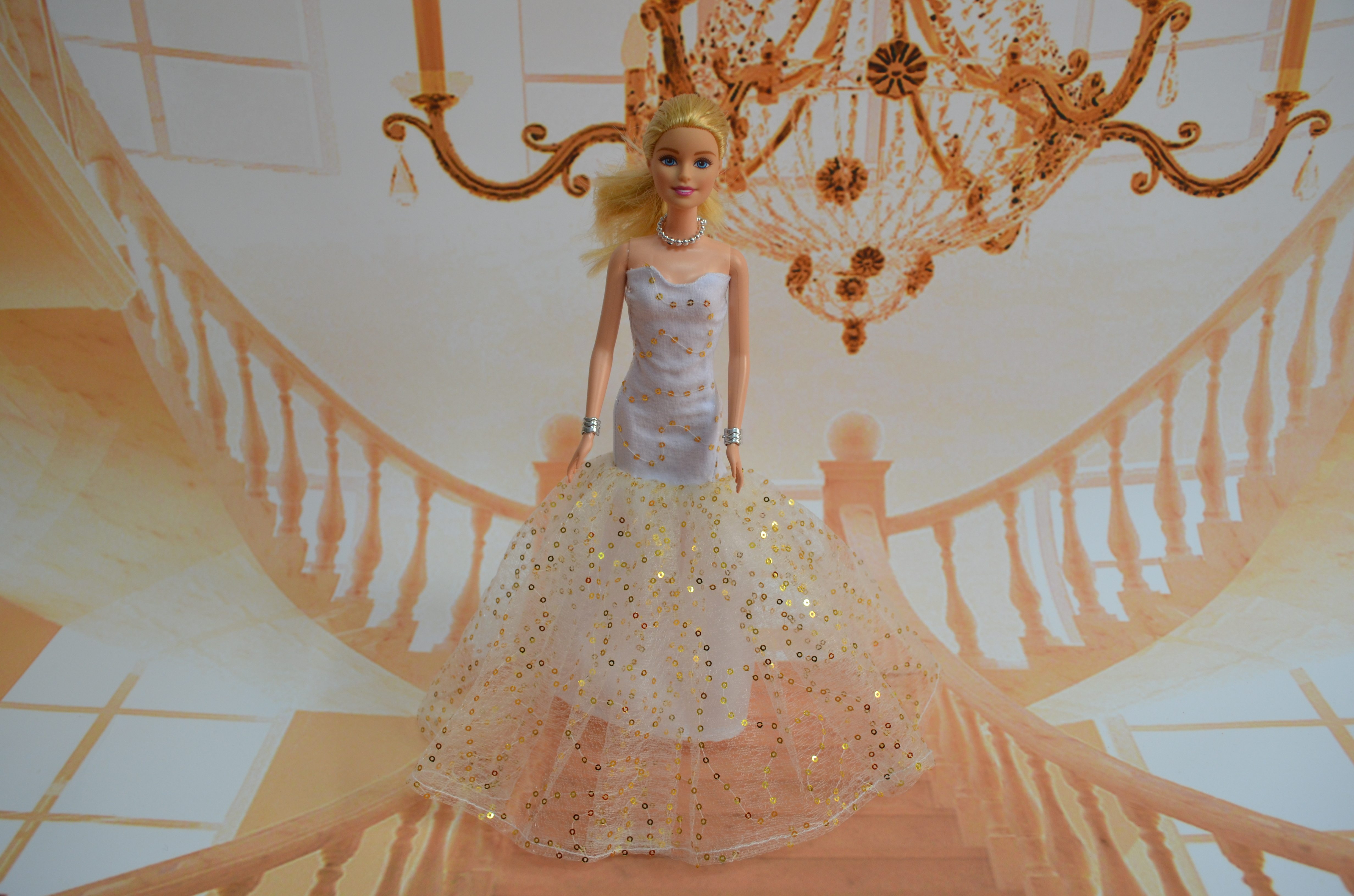 The new case for Dress Barbie dolls clothes dress wedding dresses Evening suits many styles(China (Mainland))