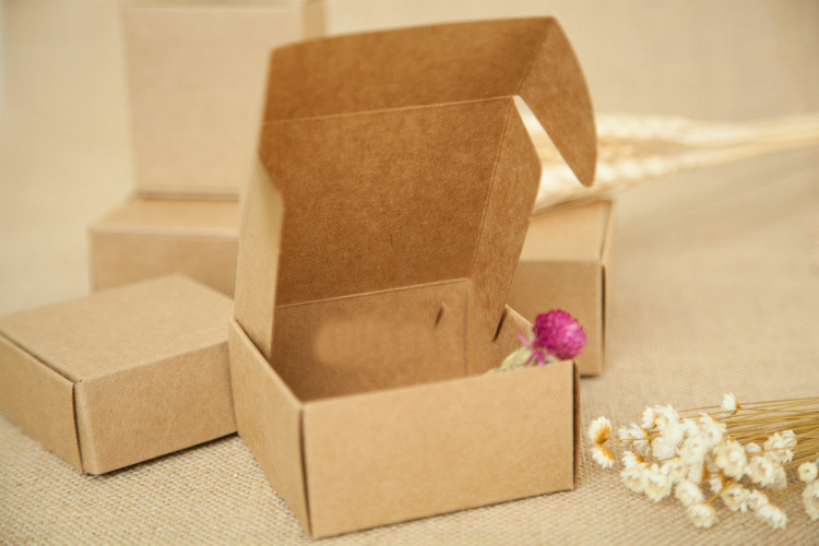 20pcs 5.5*5.5*3.5cm brown kraft paper box for candy/food/wedding/jewelry gift box packaging display boxes diy necklace storage(China (Mainland))