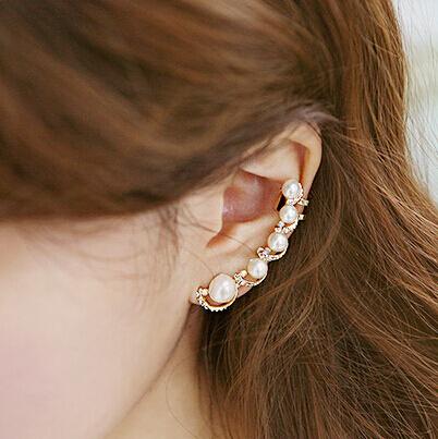 New fashion Exquisite Designed Beautiful And Sweet Imitate Pearl Rhinestone Earring Clips Women Ear Cuff (Single Price) XY-E548(China (Mainland))