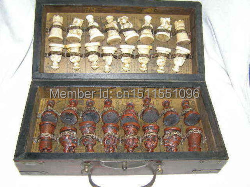 Chinese Army Style 32 Pieces Chess Set Leather Wood Box Board & Traditional Game(China (Mainland))