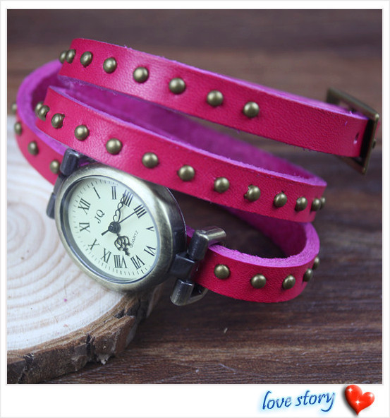 2013 hot wholesale Cow leather watches women watches Rivet strap The oval face retro-style watch Free Shipping T-102