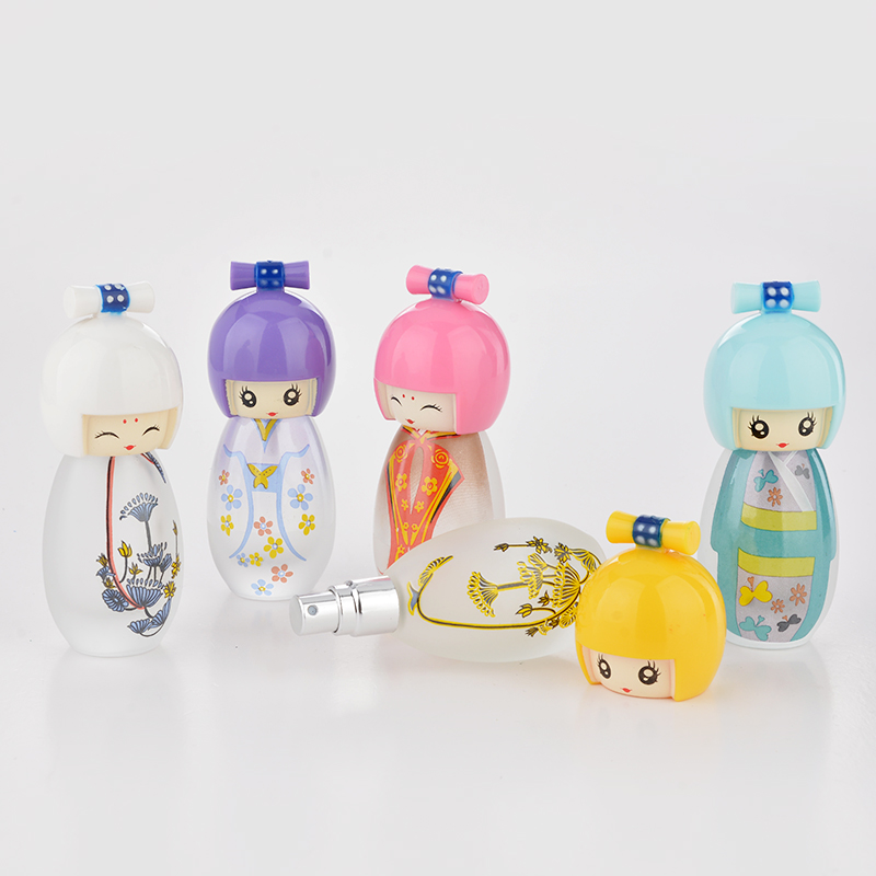 20 ML Cute Japanese Puppets Portable Glass Refillable Perfume Bottle With Spray Empty Parfum Case For Traveler(China (Mainland))