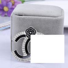 Lady Silver Gold Pin dan Bros Kristal Berlian Imitasi Antik CC Bros Pin Channel Bros Pins Besar Mutiara Brocade untuk Wanita(China)