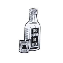 ขวดไวน์เคลือบไม่รวม PIN กลับบ้านคืนนี้ Badge(China)