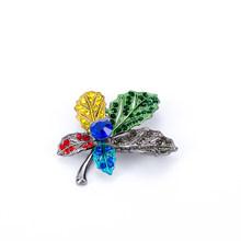 1Pc Maple Leaf Spilla In Metallo Vintage Ragazza Delle Donne CharmingExquisite Collo Con Revers Spille Gioelleria raffinata e alla moda Del Partito di Accessori di Abbigliamento(China)
